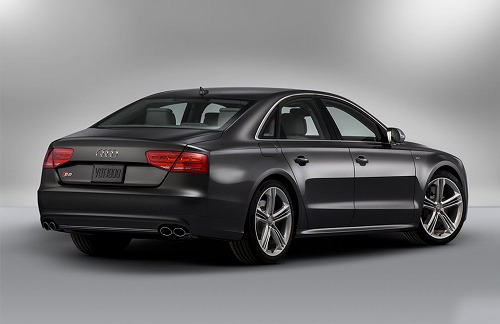 2013 Audi S8 4.0 TFSI-02.jpg