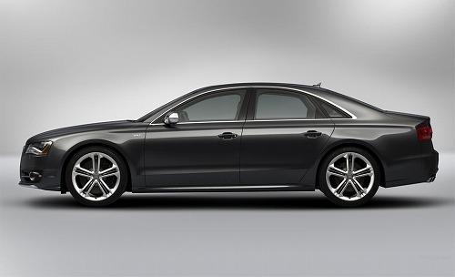 2013 Audi S8 4.0 TFSI-03.jpg