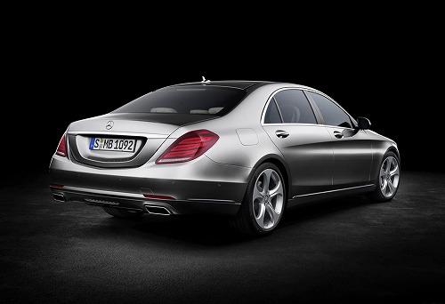 2014 Mercedes-Benz S-Class-02.jpg